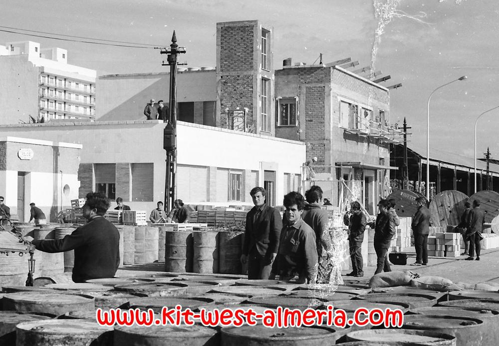 almeria guys El éxito de una mentira diario de almeria - 2018-08-31 - opinión - el límite de la libertad de expresión no lo marca la ley, sino a quién o qué se insulte y quién lo haga si se.